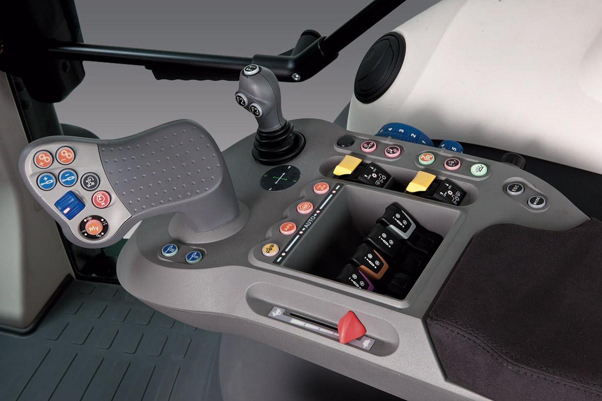 Consolle di comando delle principali funzioni dei trattori X7 PsDrive McCormick